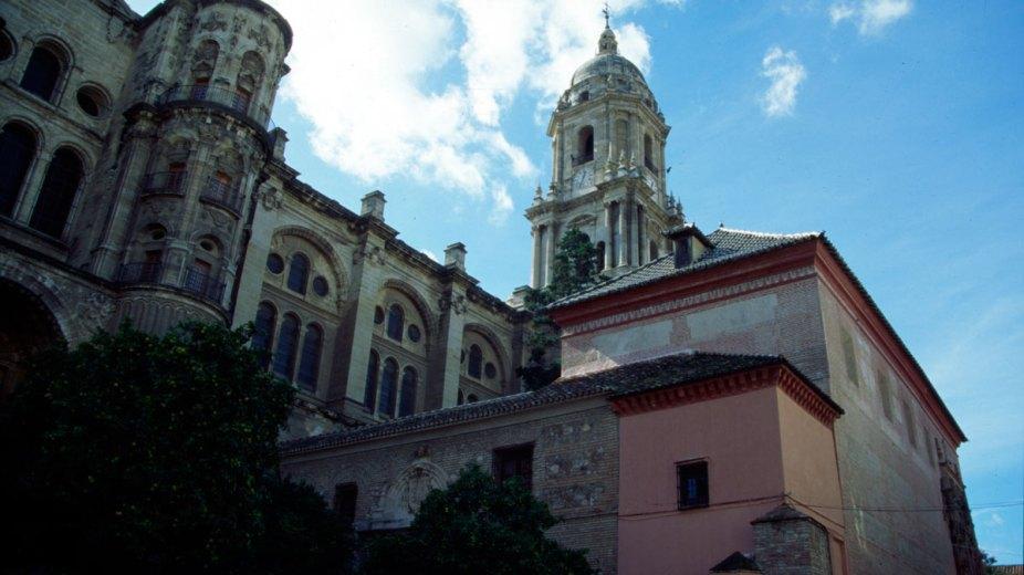 catedral desde la plaza de los naranjos